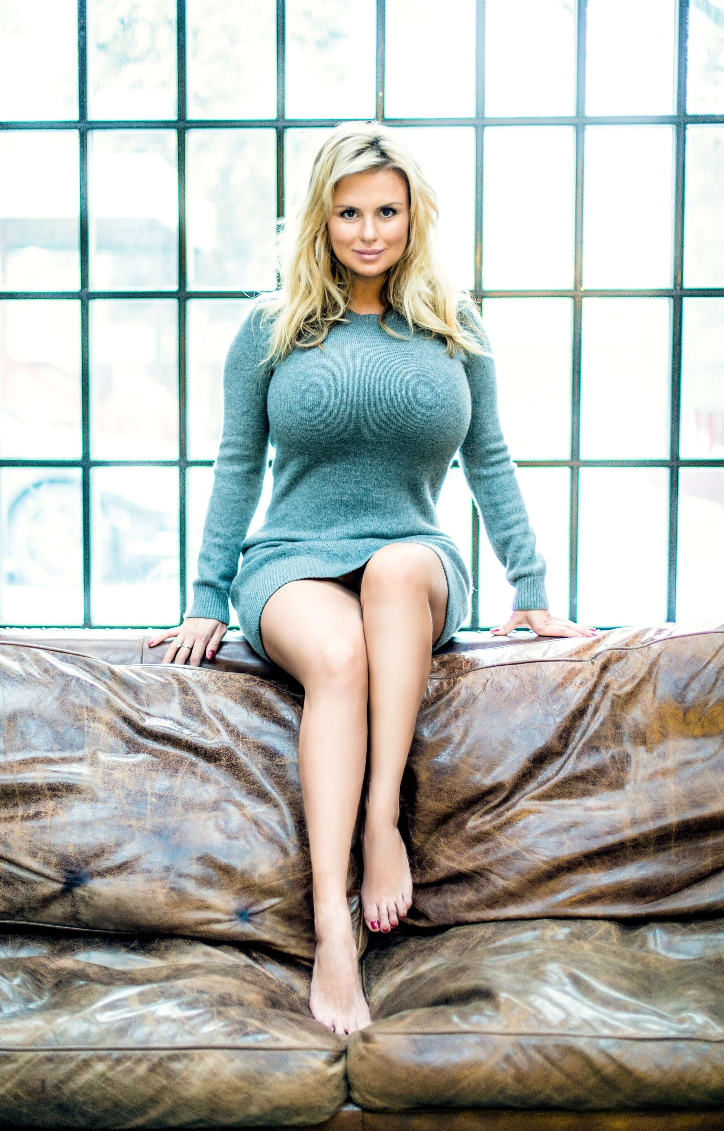 49 Sexy Anna Semenowich boobs pictures that are sure to