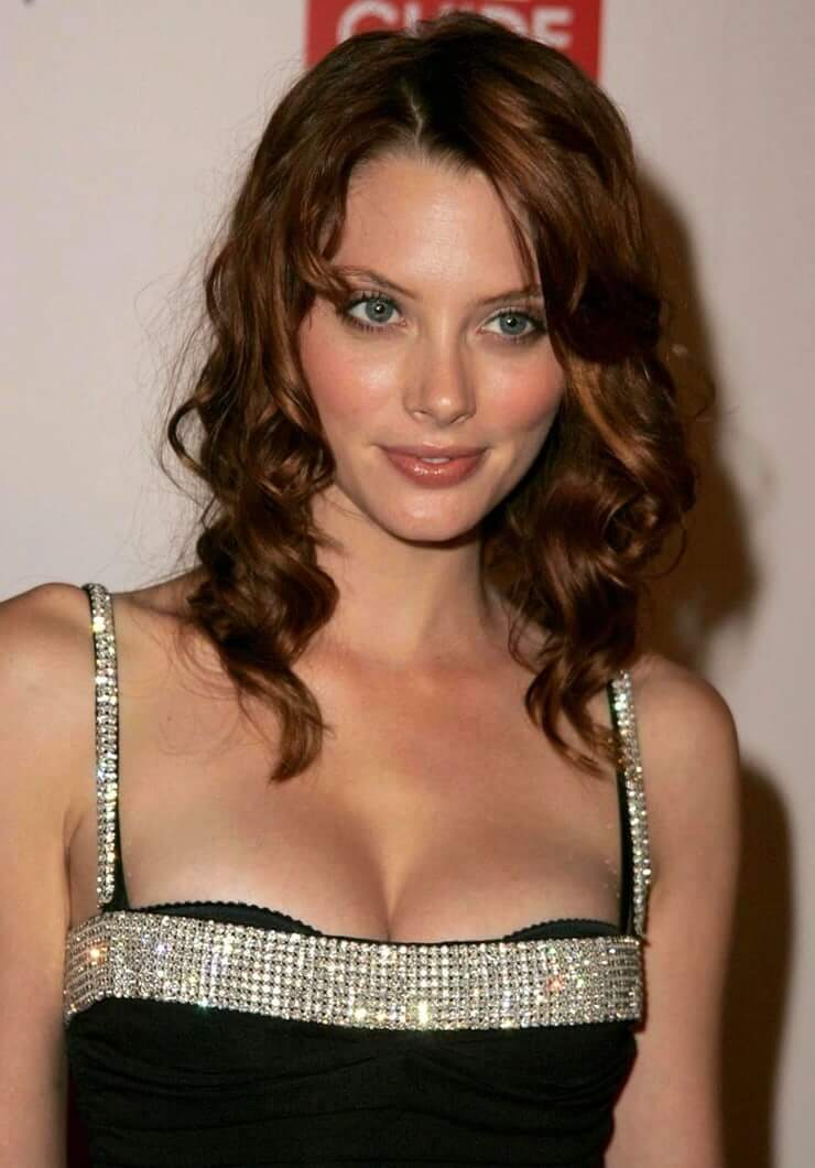 WATCH: April Bowlby Nude & Pussy! New Leaked Photos