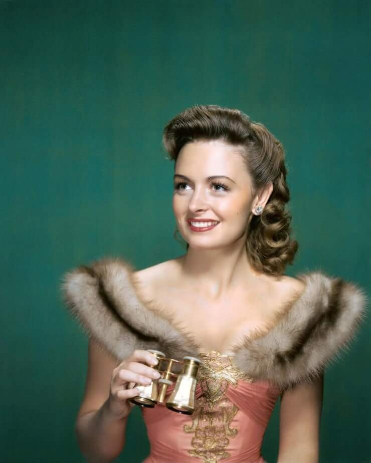 49 Hot Pictures Of Donna Reed, Which Will Make Your Mouth