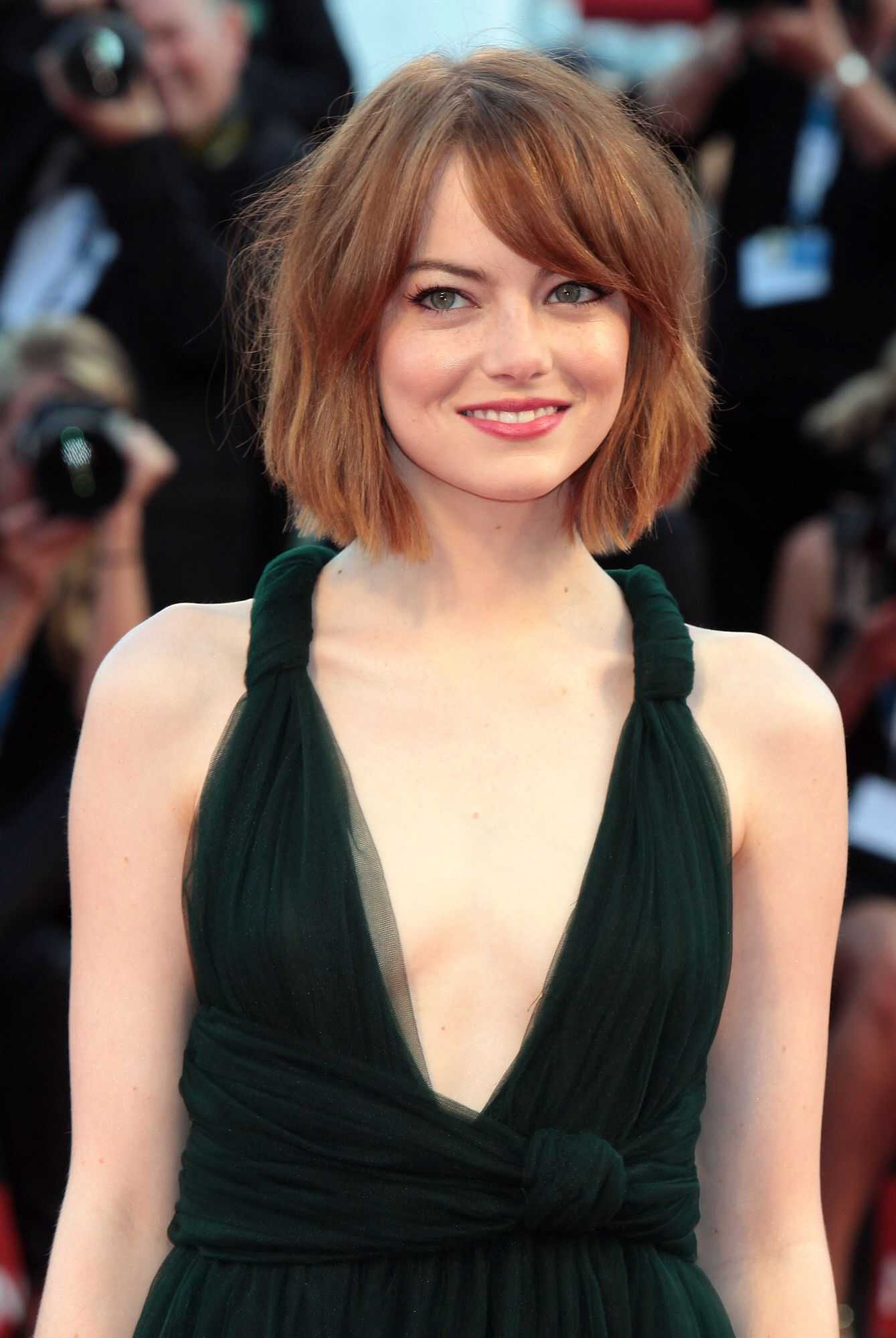 49 hot photos of Emma Stone Boobs will make your day super