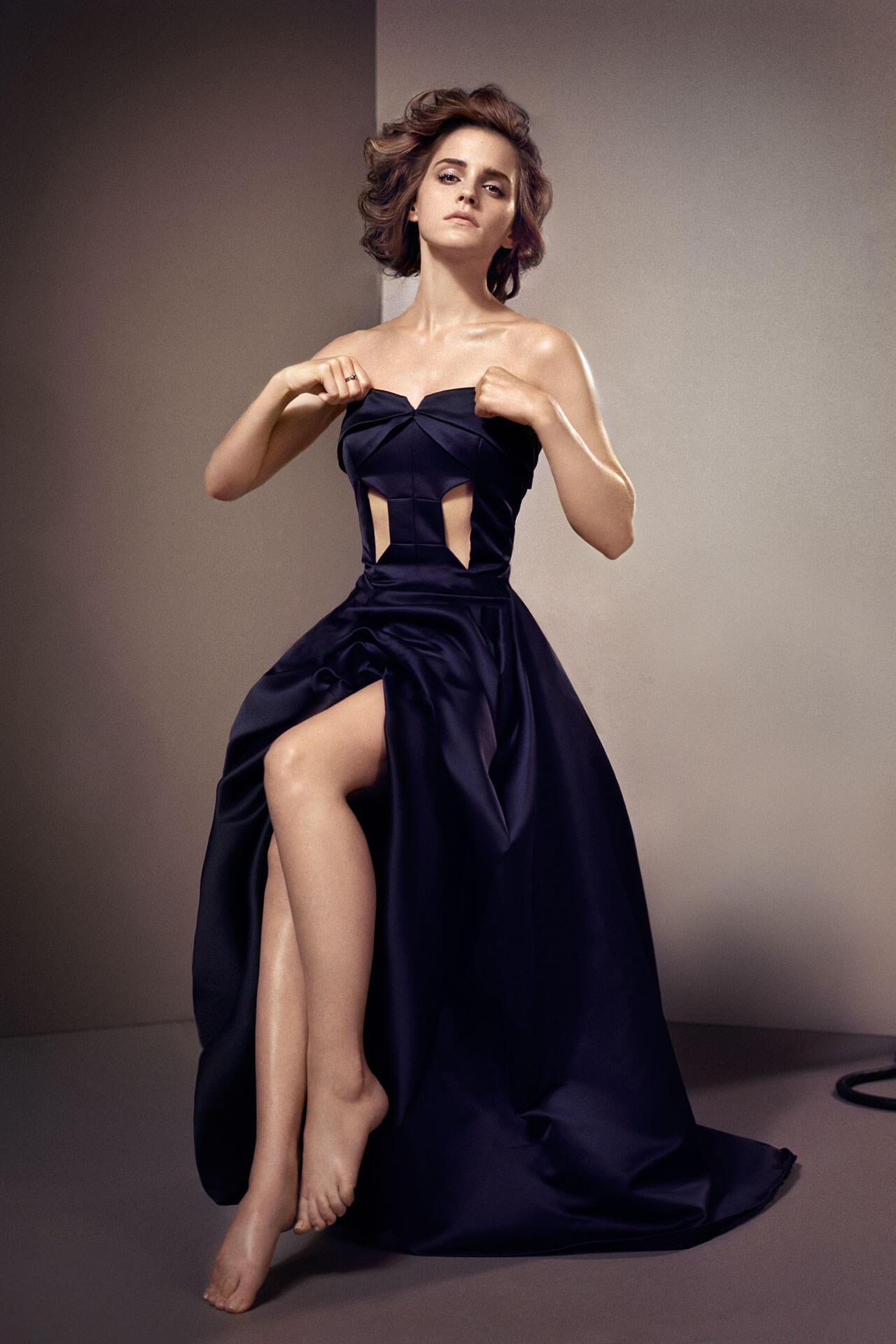 49 sexy photos of Emma Watson Boobs that are amazingly amazing