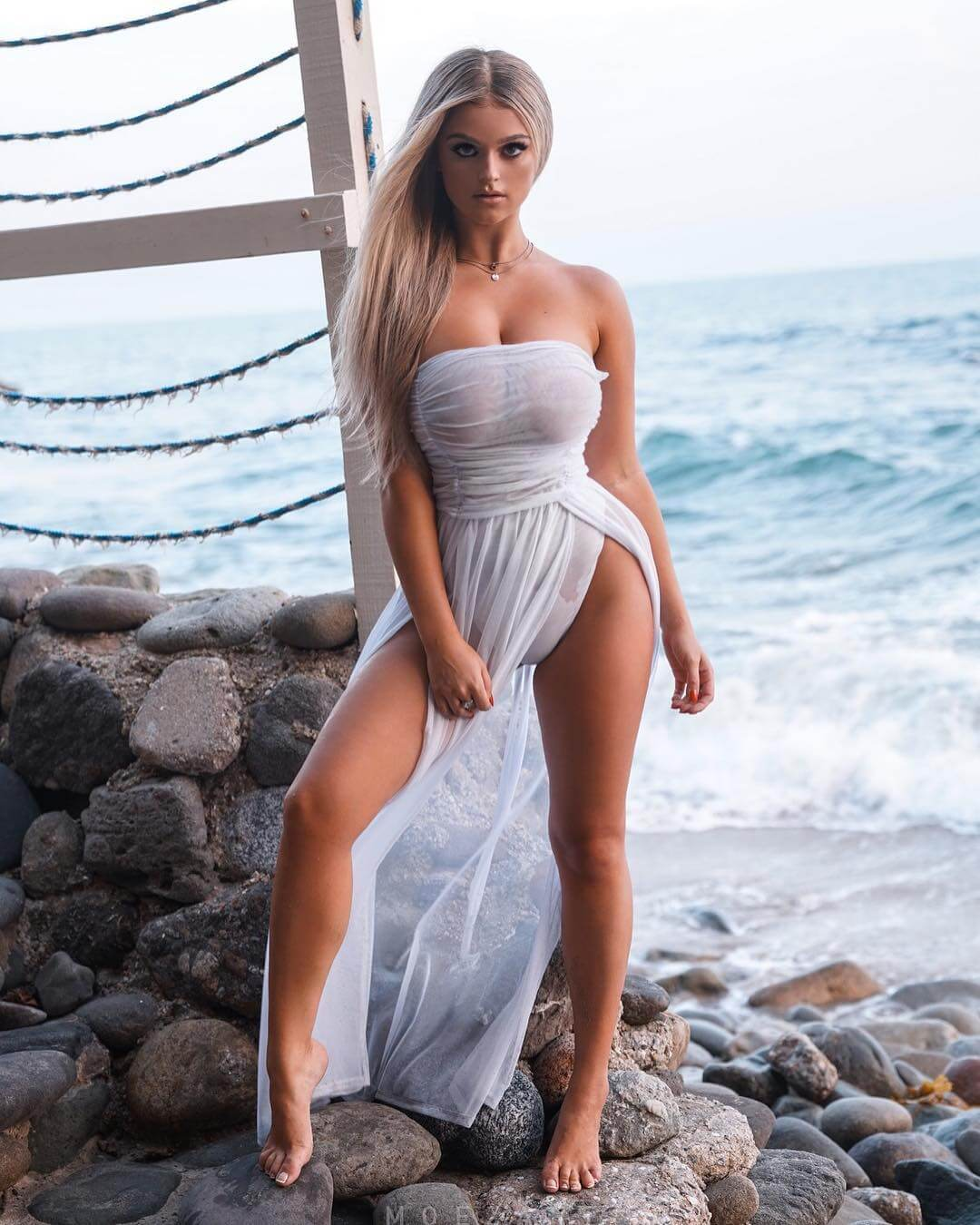 49 hot photos of Jamie Lee Thornton that are absolutely
