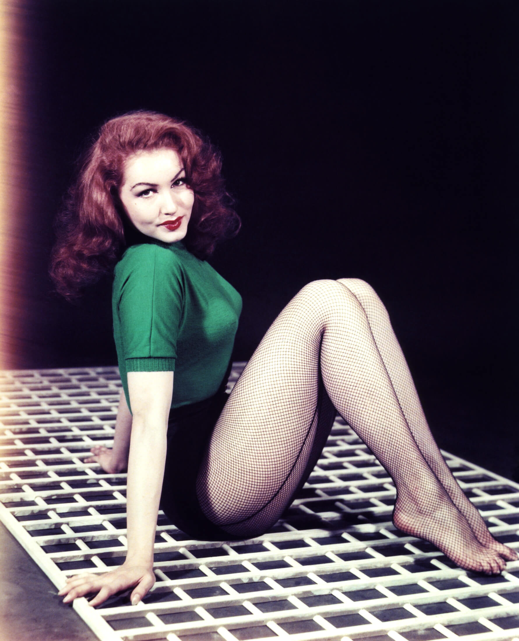 49 hot Julie Newmar photos will make you want her now