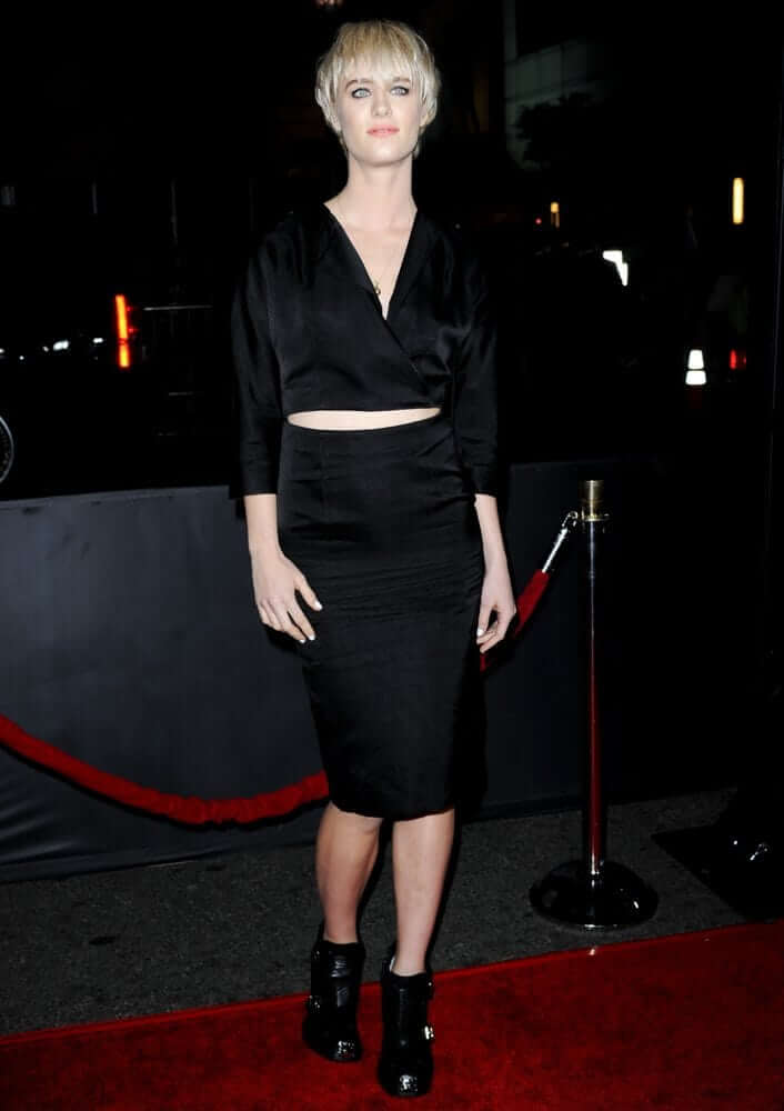 49 Hottest Mackenzie Davis Big Butt Pictures Are Really