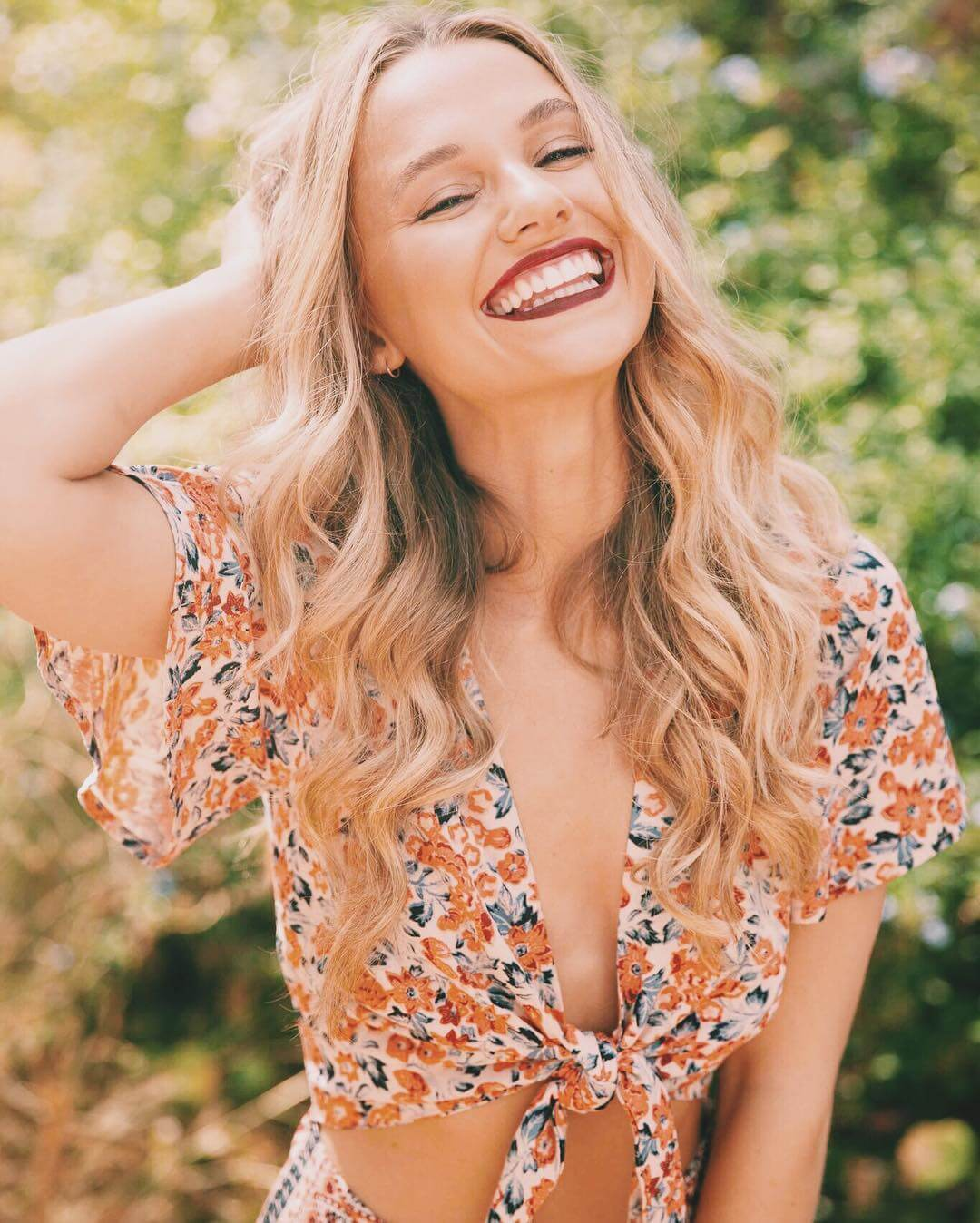 49 hot photos of Madison Iseman will light a fan inside you