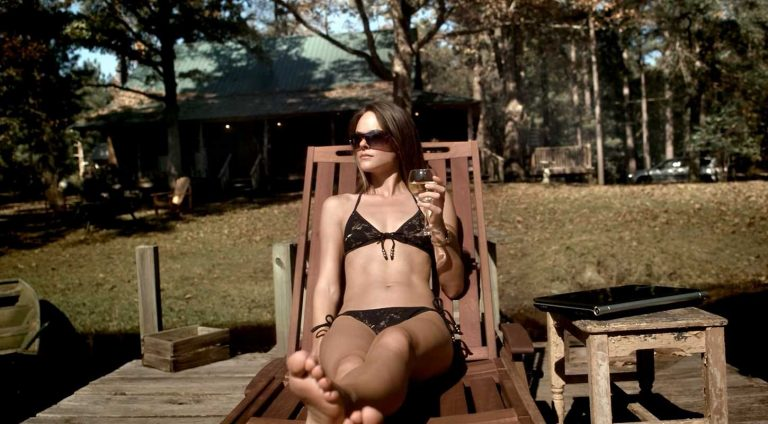 39 Hottest Photos Of Sarah Butler, Which Will Make You