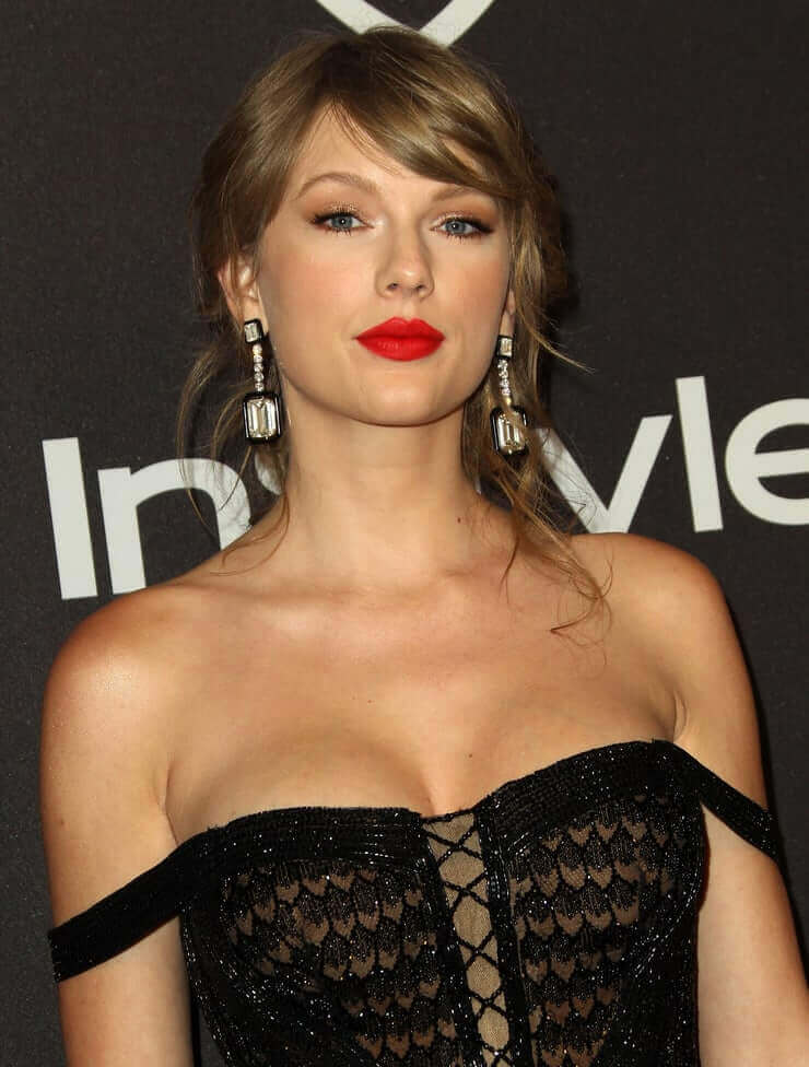 49 Sexy Taylor Swift Boobs Pictures that are absolutely