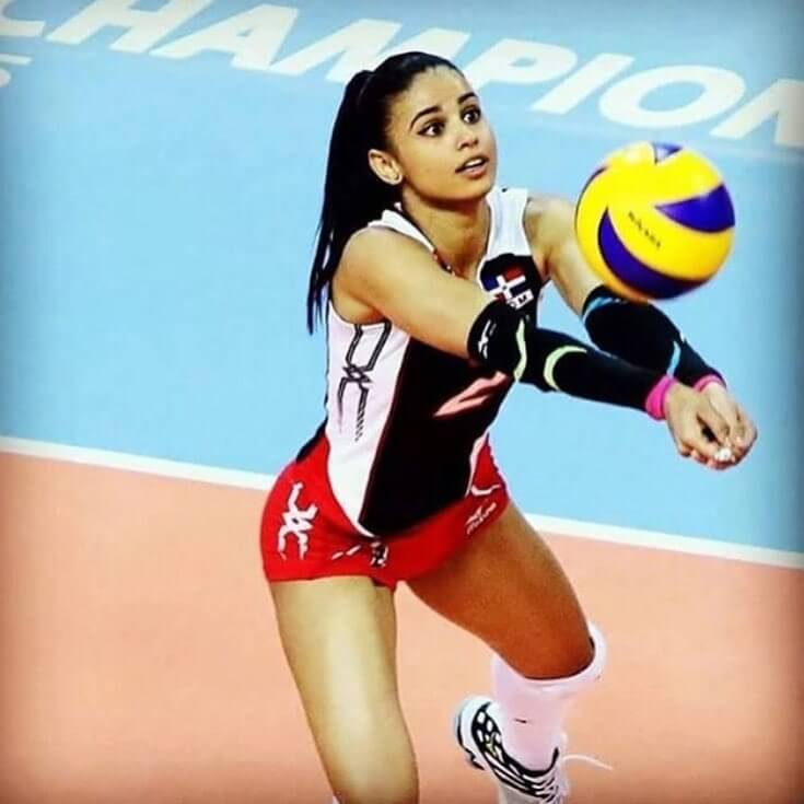 47 hot Winifer Fernandez photos that are damn cute and