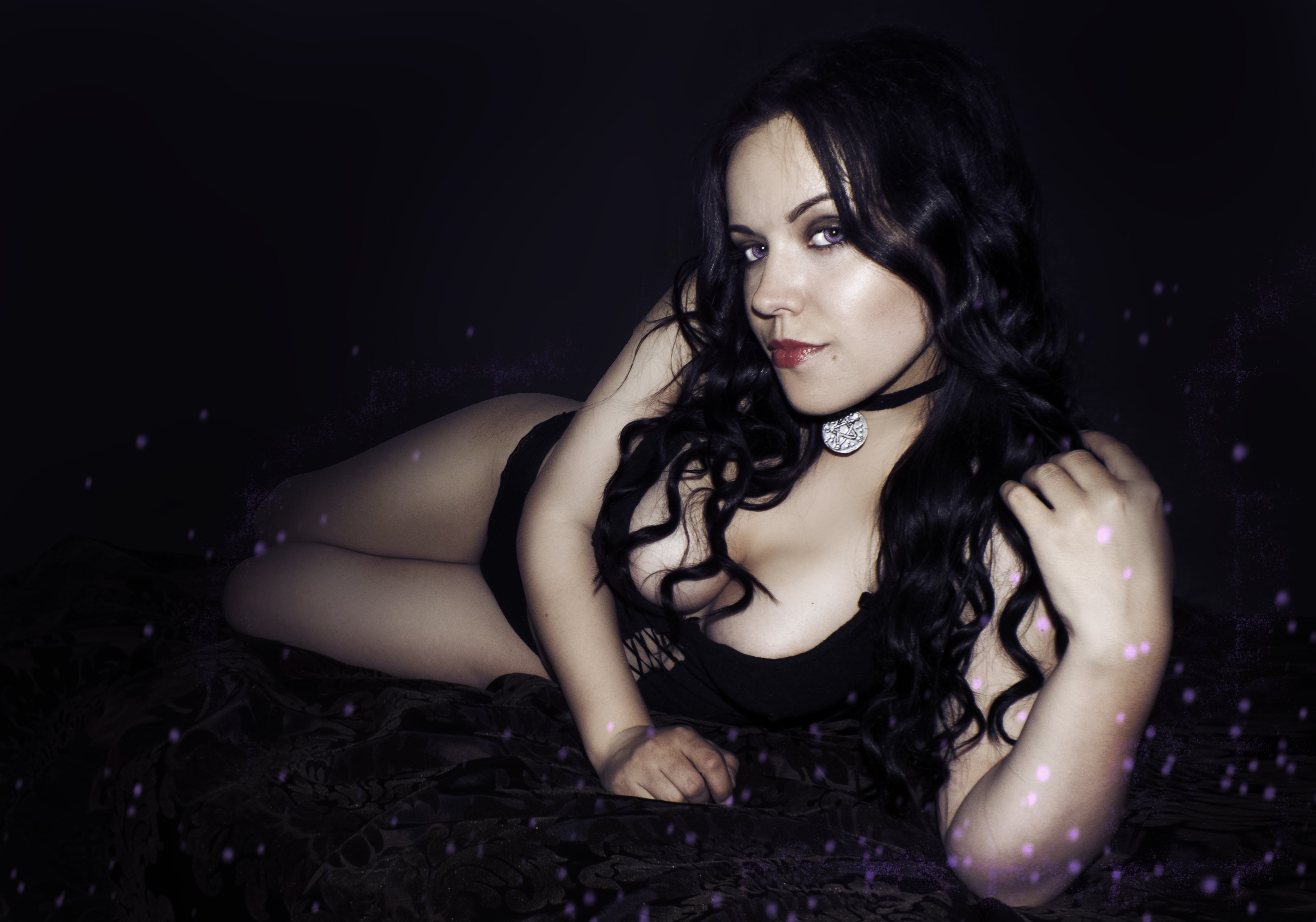 49 hot photos of the Yennefer from the Witcher series that