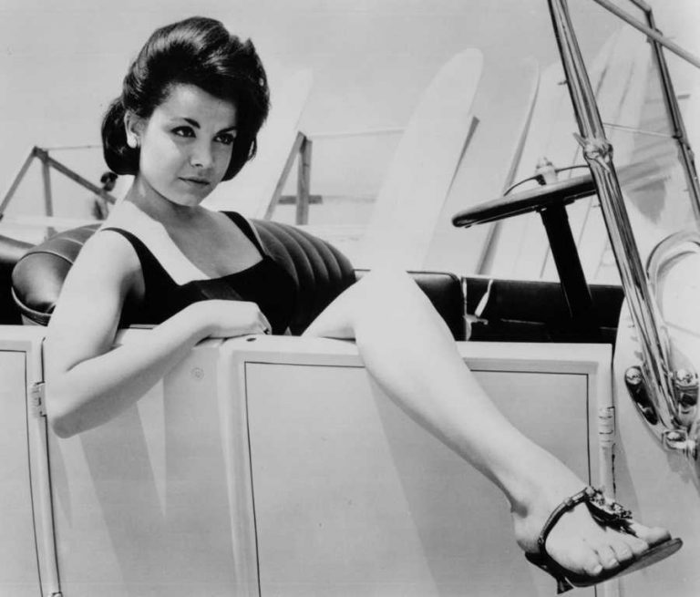 Annette Funicello  nackt